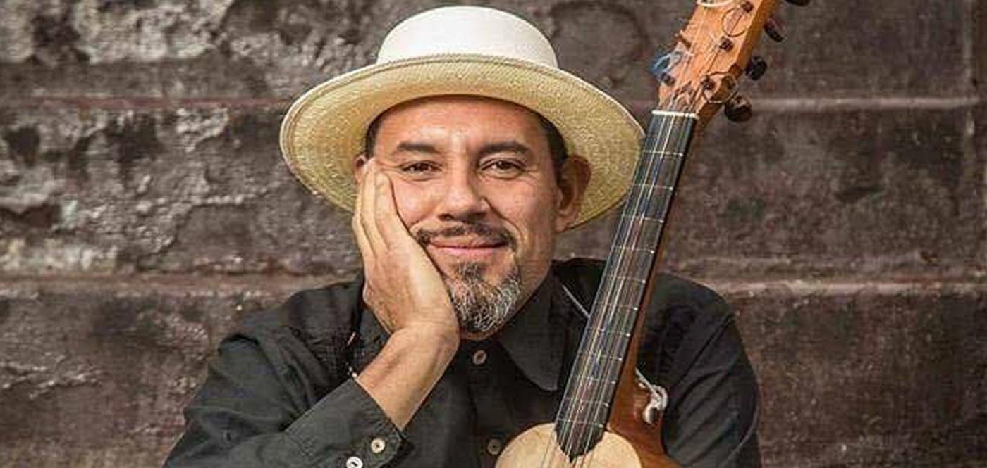 Andres Flores RADIO JAROCHELO